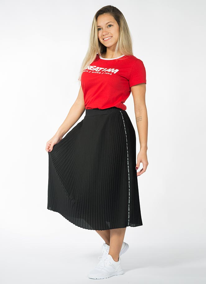 OUTFIT T-SHIRT RED + SKIRT - Great I Am